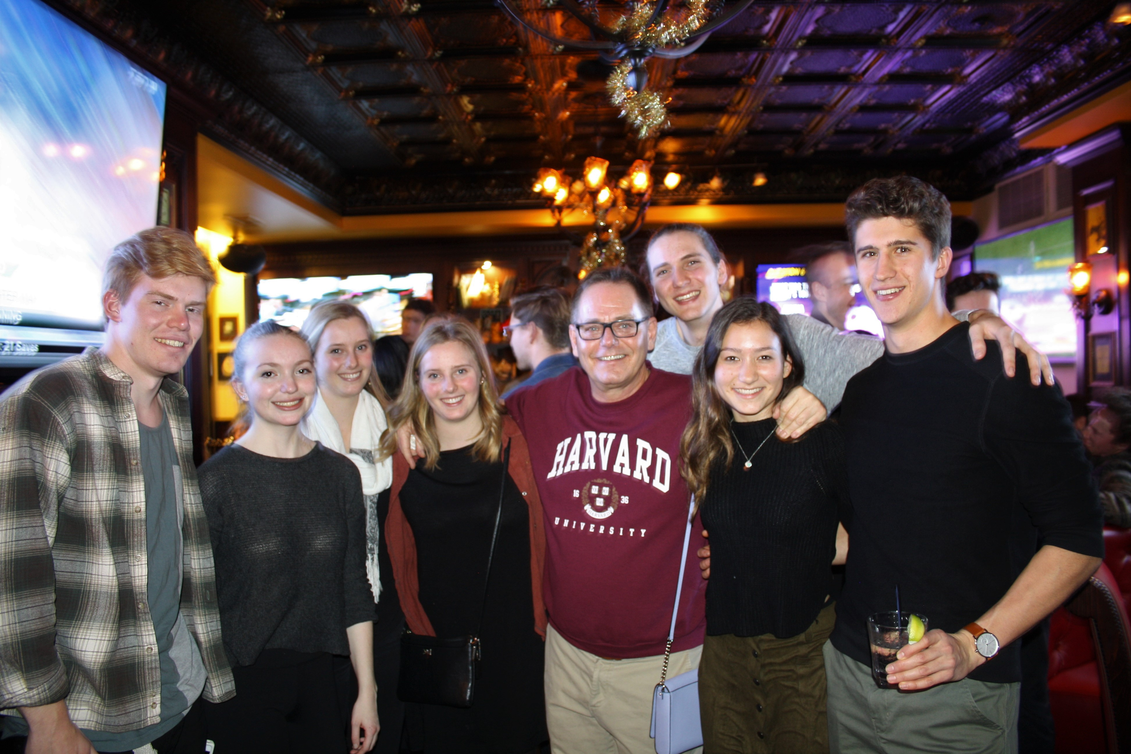 2016 Young Alumni Pub Night